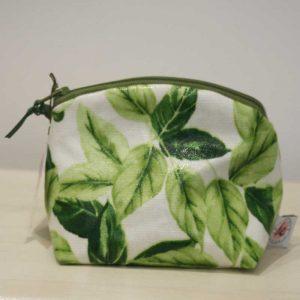Kosmetyczka w zielone listki
