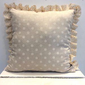 Poduszka kremowa koronka