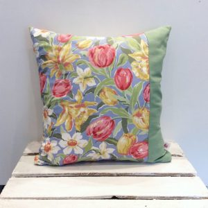 Poduszka w tulipany