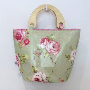 Koszyk retro w róże