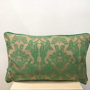 Poduszka w zielone wzory