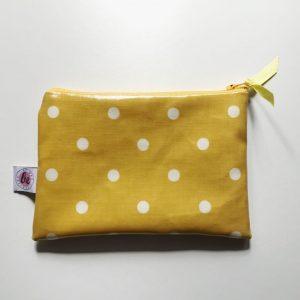 Kosmetyczka-piórnik żółte grochy