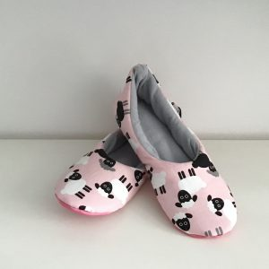 Slippers with sheep