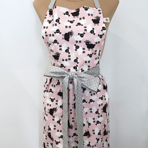 Apron with sheep