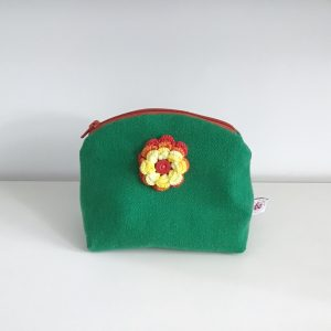 Retro washbag with flower