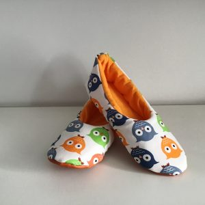 Slippers with colorful owls (36)