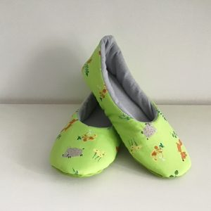 Slippers with foxes and boars (39)