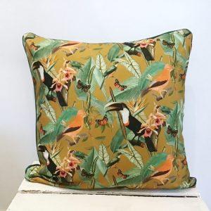 Poduszka tukany na brązie