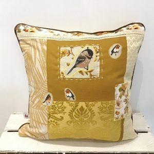 Poduszka w złocie